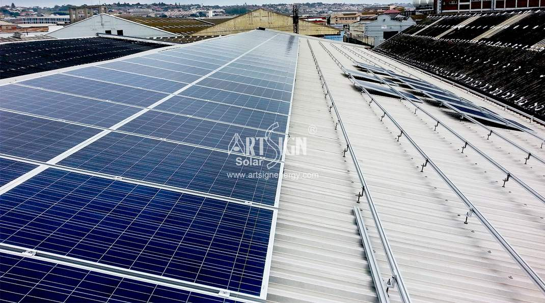Solar metal roof mounting system with L feet